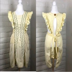 Vintage 60's Neat 'N Tidy Ruffle Apron.
